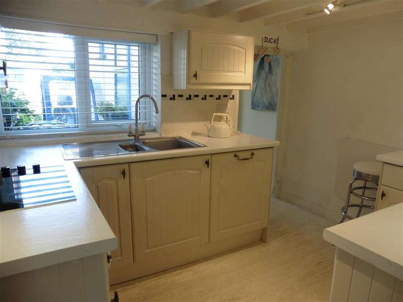 2 Bedrooms Unique Property for sale in Main Road, Emsworth, Hampshire