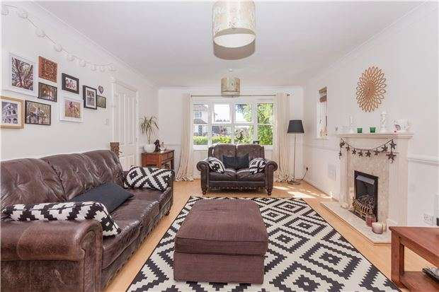 4 Bedrooms Detached House for sale in Barnhorn Road, BEXHILL-ON-SEA, East Sussex, TN39 4QA