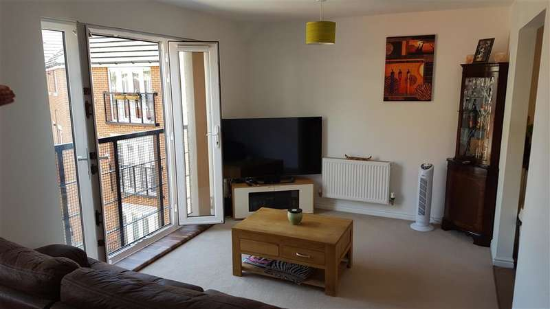 1 Bedroom Flat for sale in Whitehead Drive, Strood, Rochester, Kent