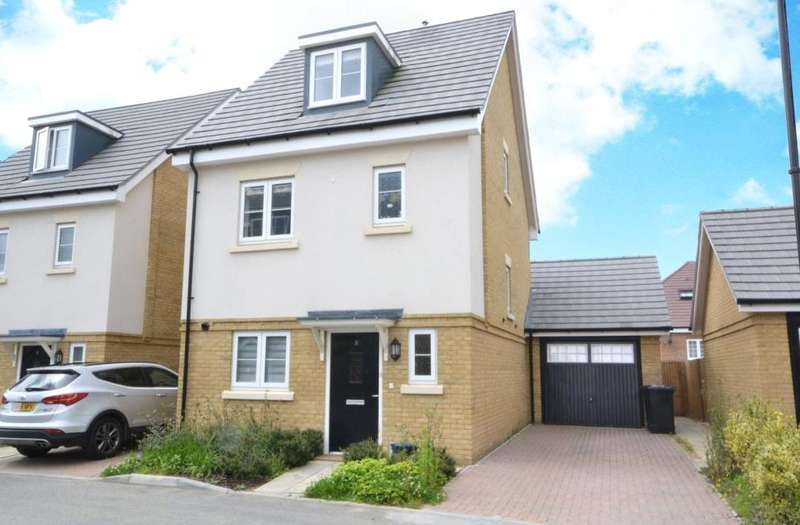 4 Bedrooms Detached House for sale in Brookwood Farm Drive, Knaphill, Woking, Surrey, GU21