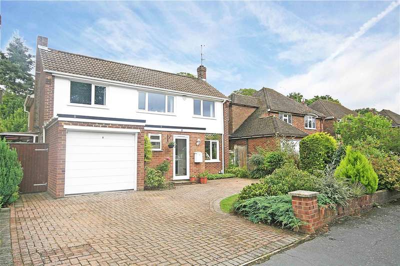 4 Bedrooms Detached House for sale in Silver Birch Close, Woodham, Addlestone, Surrey, KT15