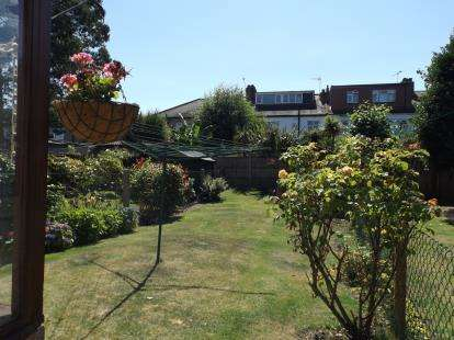 3 Bedrooms House for sale in Wanstead