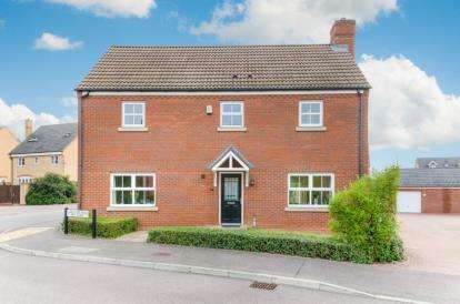 4 Bedrooms Detached House for sale in Langlands Road, Bedford, Bedfordshire