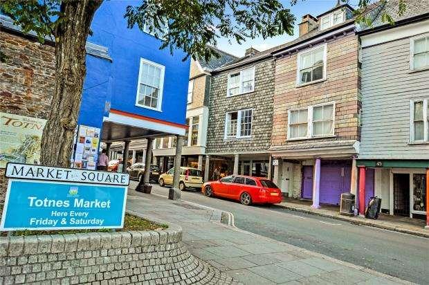1 Bedroom Flat for sale in High Street, Totnes, Devon