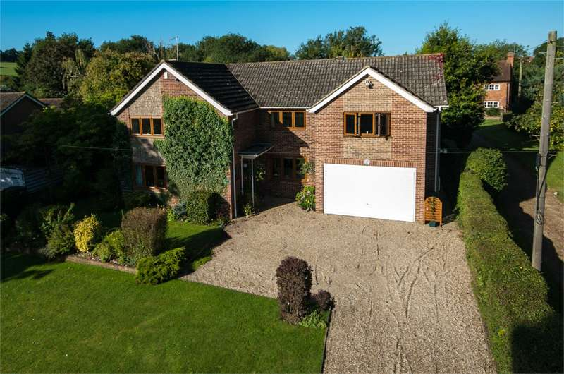 5 Bedrooms Detached House for sale in The Hatch, Burghfield Village, Reading, RG30