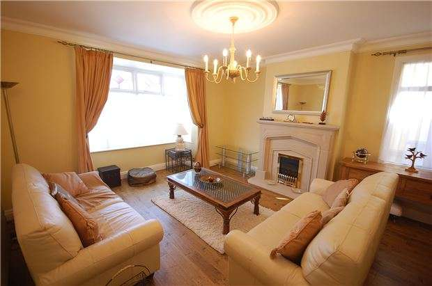 3 Bedrooms Semi Detached House for sale in Runswick Road, Brislington, BS4 3HZ