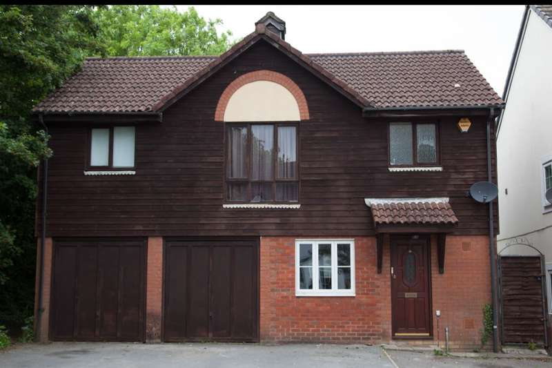 3 Bedrooms Detached House for sale in Clover Way, Hedge End, Southampton, SO30