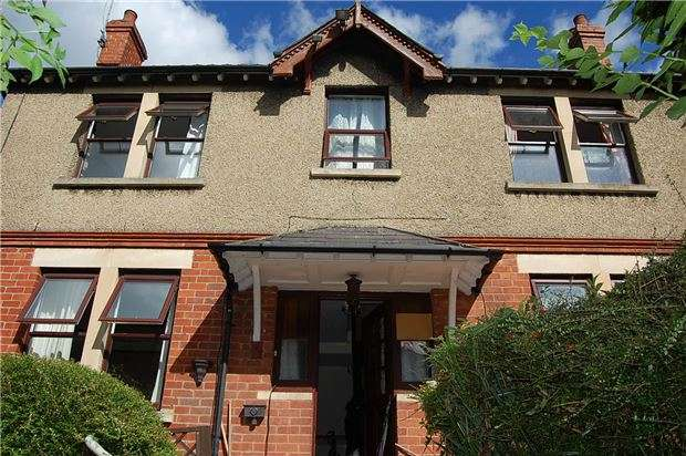 3 Bedrooms Detached House for sale in Carlton Gardens, Stroud, Gloucestershire, GL5 2AH