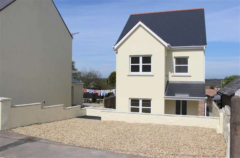 3 Bedrooms Property for sale in Starbuck Road, Milford Haven