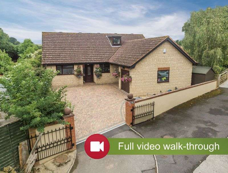 4 Bedrooms Detached Bungalow for sale in Bower Hinton