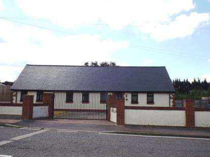 4 Bedrooms House for sale in Holywell Road, Rhuallt, St. Asaph, Denbighshire, LL17