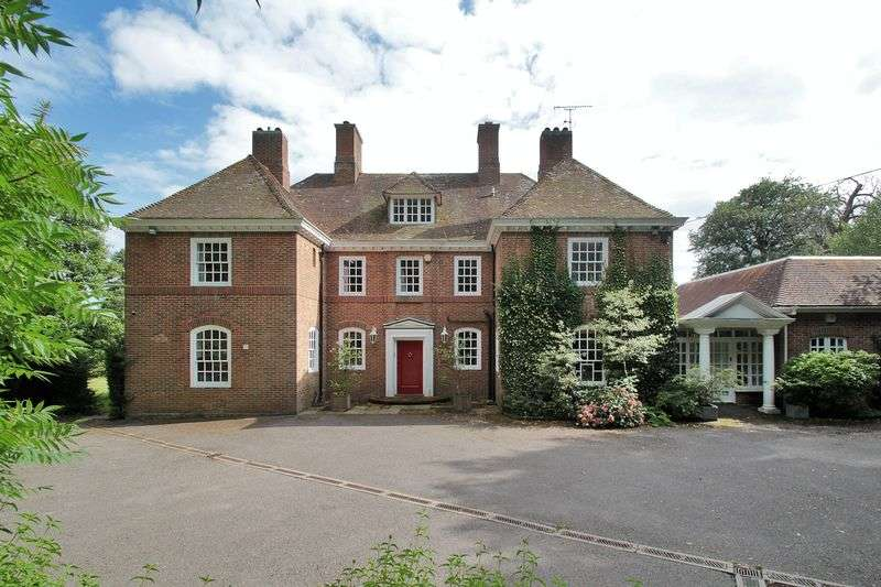 6 Bedrooms Detached House for sale in Church Road, Worth, West Sussex
