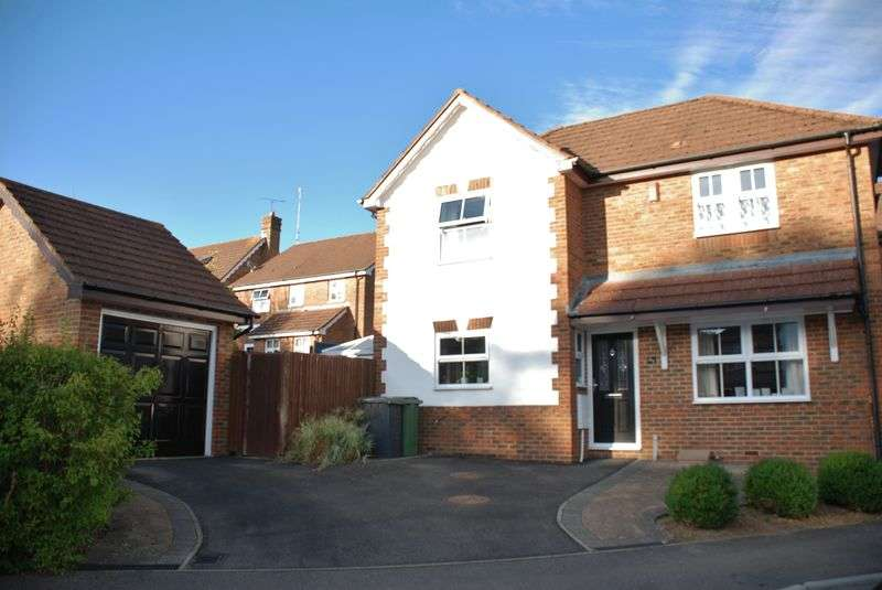 Property for sale in Foxs Furlong, Basingstoke