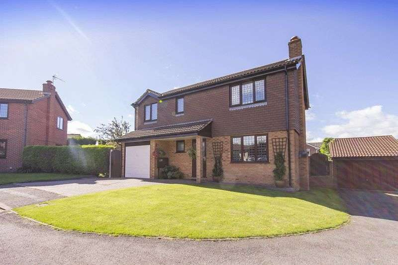 3 Bedrooms Detached House for sale in FAIRBOURNE DRIVE, MICKLEOVER
