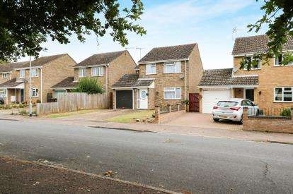 4 Bedrooms Detached House for sale in Thetford, .