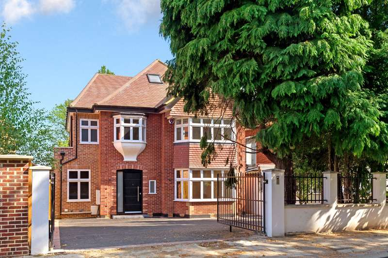 6 Bedrooms Detached House for sale in Tenterden Grove, Hendon