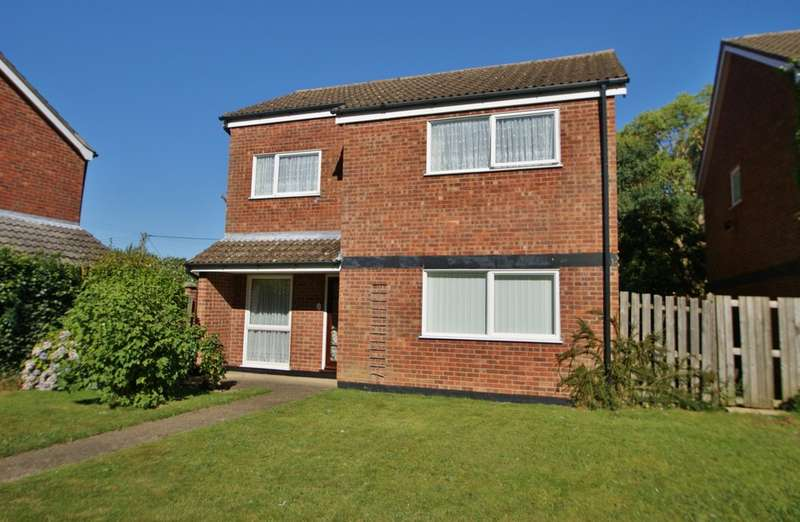 4 Bedrooms Detached House for sale in Birbeck Way, Frettenham