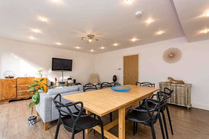 3 Bedrooms House for sale in Brompton Mews, North Finchley, N12