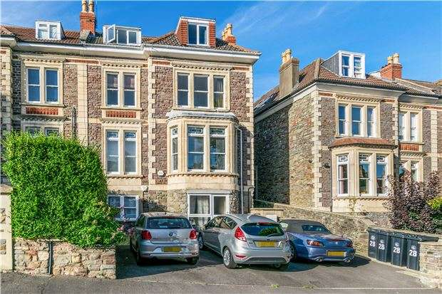 2 Bedrooms Flat for sale in Clarendon Road, Redland, Bristol, BS6 7EU