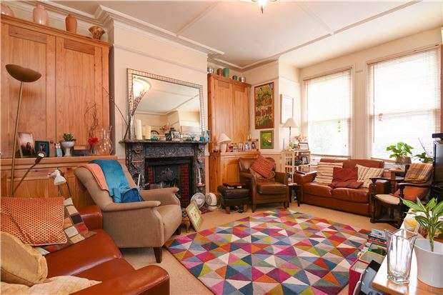 6 Bedrooms Terraced House for sale in Ribblesdale Road, SW16 6SP