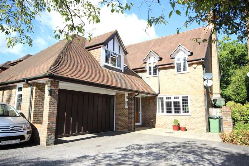 5 Bedrooms Detached House for sale in Four Marks, Alton, Hampshire, GU34