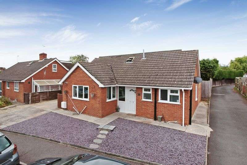 4 Bedrooms Detached Bungalow for sale in Beech Hill, Wellington