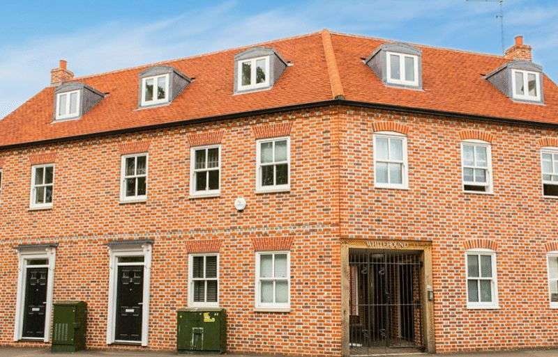 3 Bedrooms Flat for sale in Upper High Street, Thame,