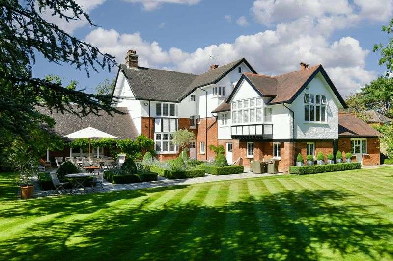 7 Bedrooms Detached House for sale in Ashtead