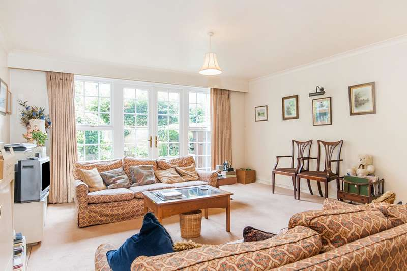 5 Bedrooms House for sale in Browning Close, Little Venice