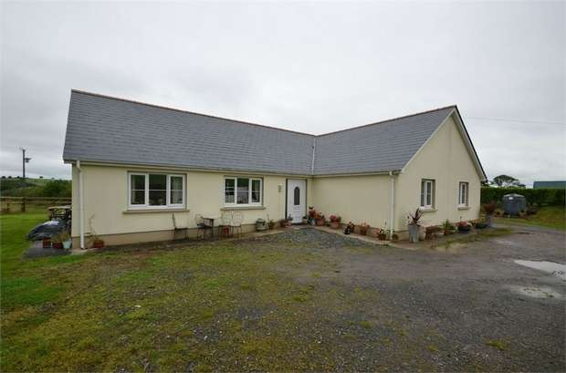 4 Bedrooms Detached House for sale in Upper Nash, Lamphey, Pembroke
