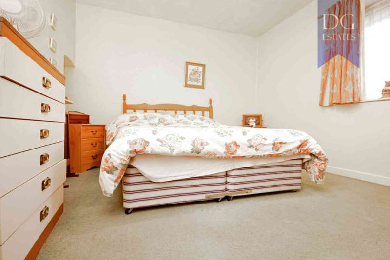 3 Bedrooms Terraced House for sale in Waltheof Gardens, Tottenham