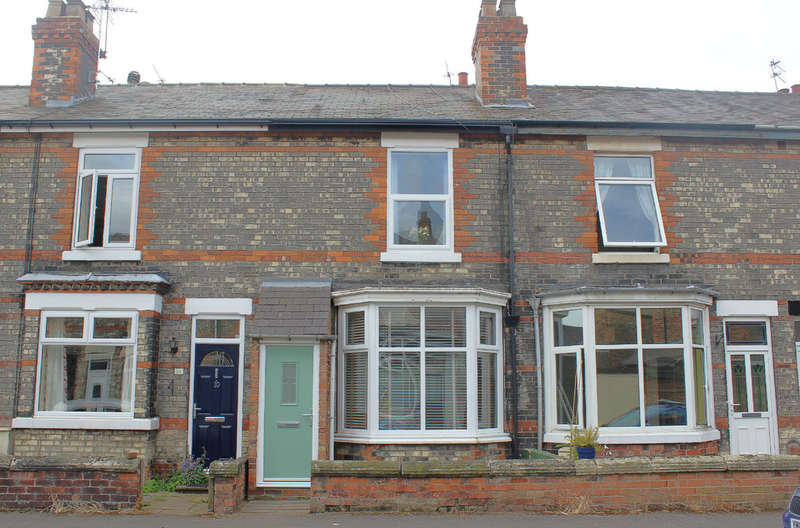 2 Bedrooms Terraced House for sale in Newport Avenue, Selby
