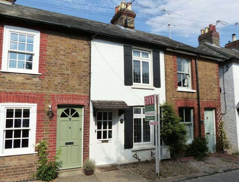 2 Bedrooms Terraced House for sale in Cookham - High Road
