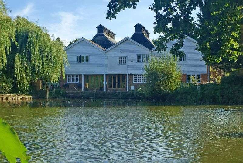 5 Bedrooms House for sale in Marden, TN12 9BW