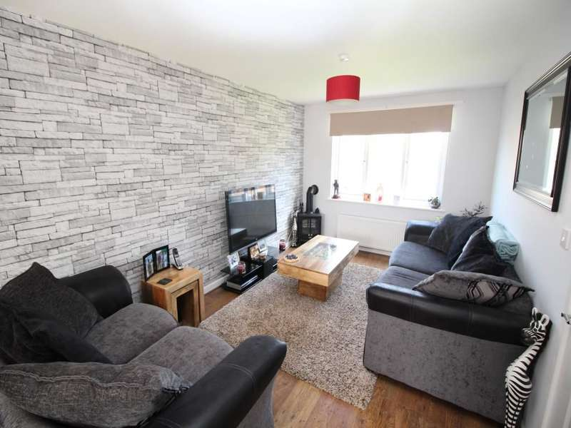 3 Bedrooms Semi Detached House for sale in Hillcommon, Taunton, TA4
