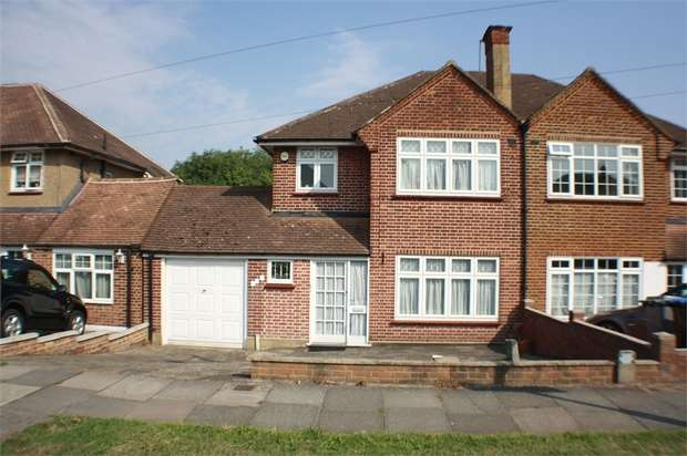 3 Bedrooms Semi Detached House for sale in Shaftesbury Avenue, Kenton, Harrow, Middlesex