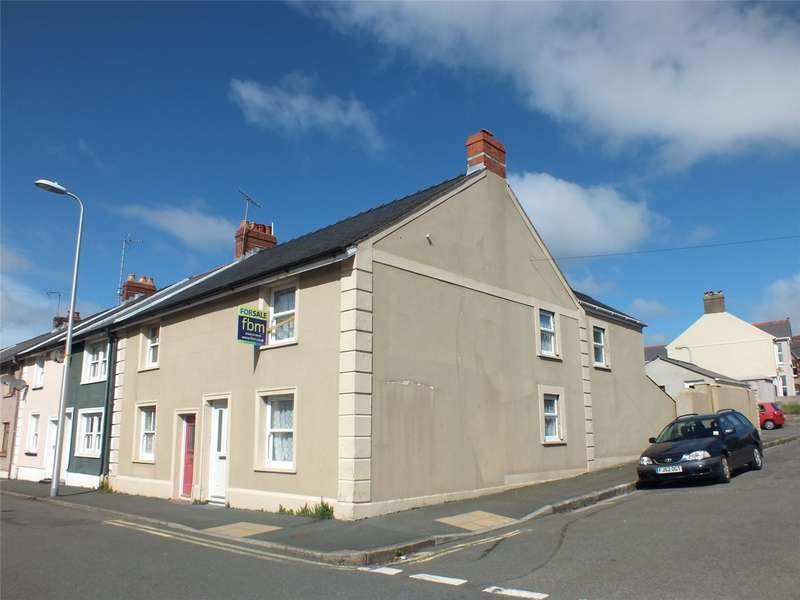 3 Bedrooms End Of Terrace House for sale in Robert Street, Milford Haven, Pembrokeshire