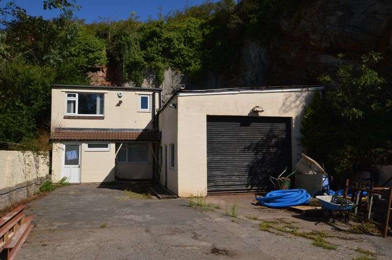 Property for sale in Hillgate House Yard, Bleadon