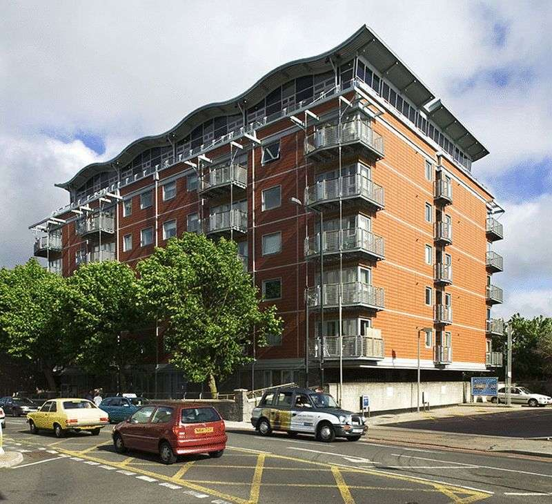 2 Bedrooms Flat for sale in Park Row, Clifton