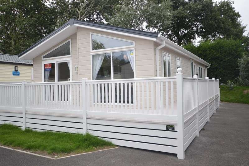 2 Bedrooms Lodge Character Property for sale in Dawlish Sands Holiday Park, Warren Road, Dawlish Warren