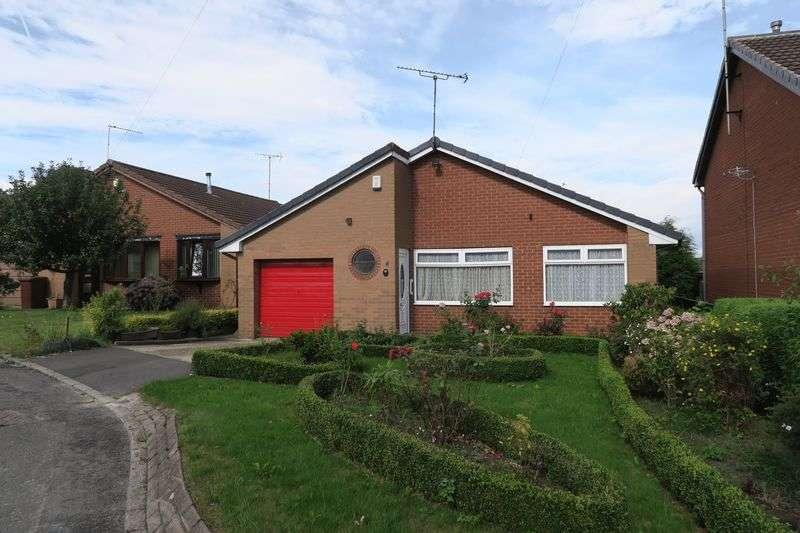 3 Bedrooms Detached Bungalow for sale in Sandmead Croft, Churwell, Morley, Leeds