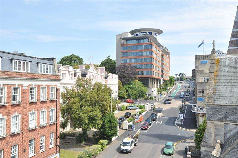 2 Bedrooms Apartment Flat for sale in Bristol & West House, Post Office Road, Bournemouth