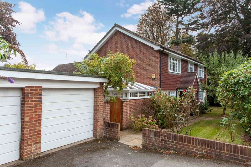 4 Bedrooms Detached House for sale in Scholars Close, Caversham Heights