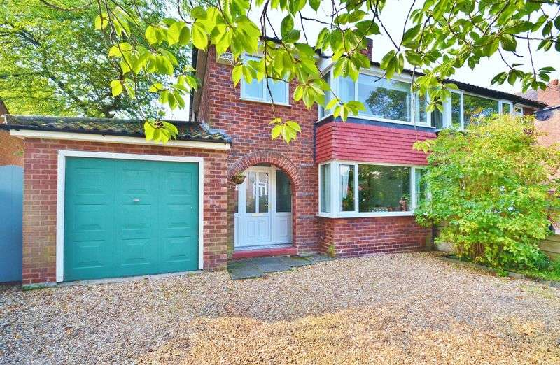 3 Bedrooms Semi Detached House for sale in St. Georges Crescent, Salford