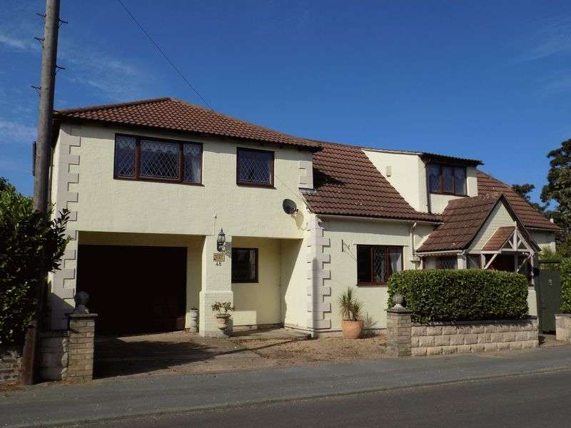 4 Bedrooms Detached House for sale in If it is history, location and spacious accommodation that you are looking for, then allow me to introduce Autumn House in Copford. This substantial