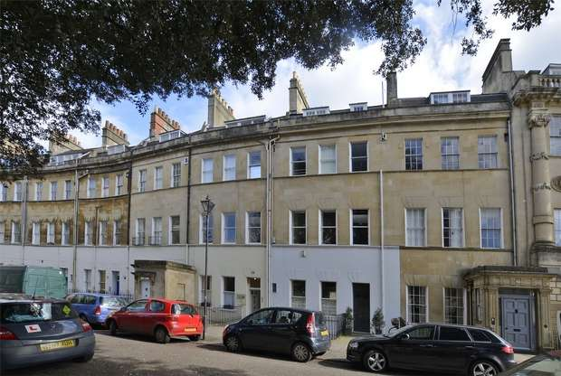 2 Bedrooms Flat for sale in Courtyard Apartment, 25 Grosvenor Place, Bath