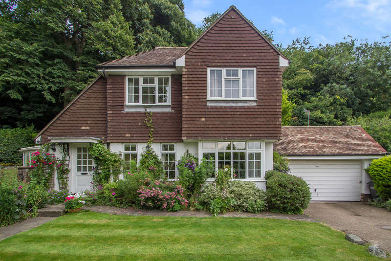 4 Bedrooms Detached House for sale in Roselea Cottage, Ballards Farm Road, Croydon, CR0 5RL