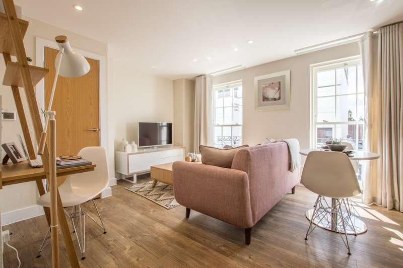 1 Bedroom Flat for sale in Regency Place, Cheltenham, GL52 2NE