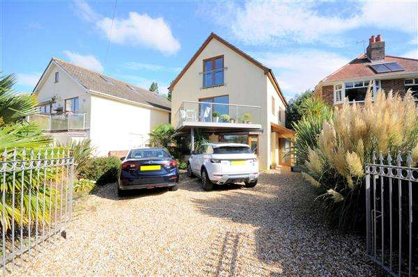 5 Bedrooms Detached House for sale in Parkstone, Poole, BH14