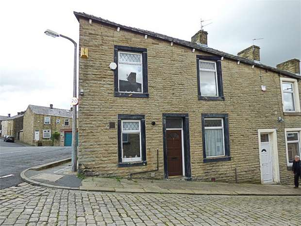 3 Bedrooms End Of Terrace House for sale in Basil Street, Colne, Lancashire